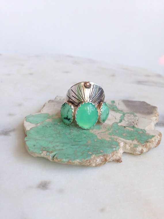 Chrysoprase Variscite Ring Statement Ring Halo Ring Trinity Multi Stone Ring Three Stone Ring Boho Green Stones Saddle Ring Green Turquoise
