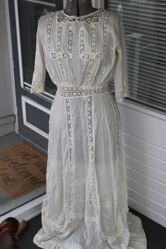 Antique Edwardian Embroidered Ecru Linen Dress Lac