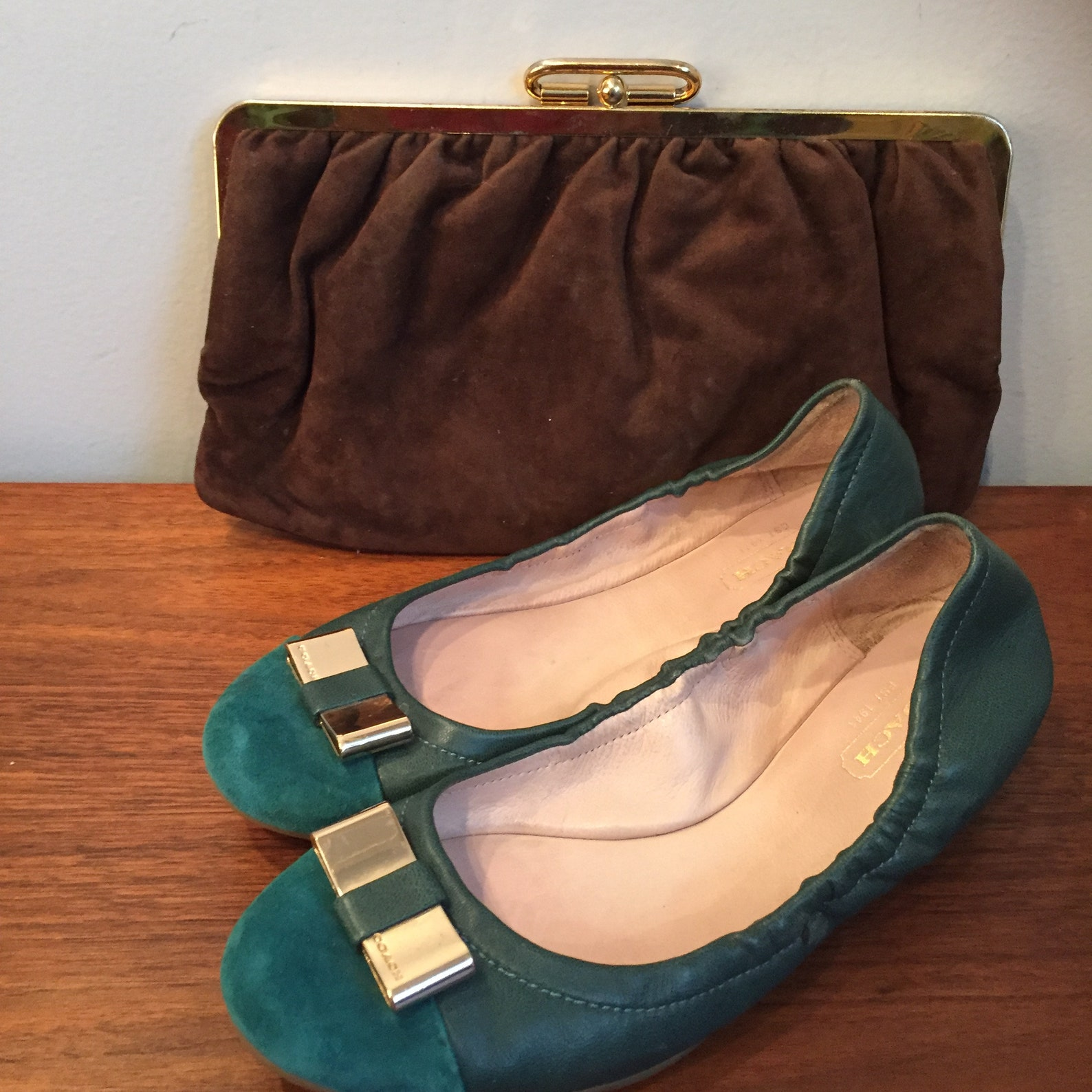vintage coach suede leather shoes green gold ballet flats gold bow buckle vintage suede driving shoes suede leather moccasin des