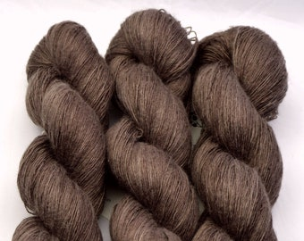 Linen chocolate, hand-dyed with natural colours, 100g-840 m,