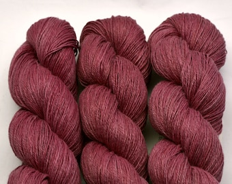 Hemp Heath flowers, hand-dyed with natural colours, 100g-330 m,