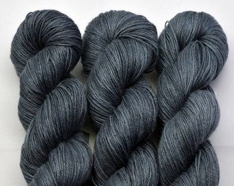 Hemp Depth Marine, hand-dyed with natural colours, 100g-330 m,