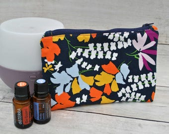 Essential Oil / Essential Oil Bag / Essential Oils / Travel Bag / Essential Oil Case / Aromatherapy / Gifts for Her/ Gift for Mom / Oils