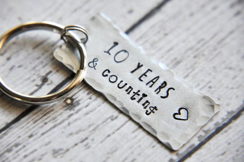 Schlüsselanhänger 10 Jahre Jubiläum Jahrestagsgeschenk Geschenk Für Ihn Geschenk Für Ihren Hochzeitstag 10 Geburtstagsgeschenk Für Frau