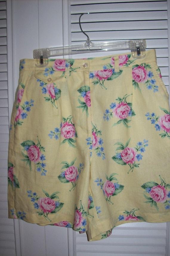 Vintage Lauren Ralph Lauren Linen Shorts Presentin