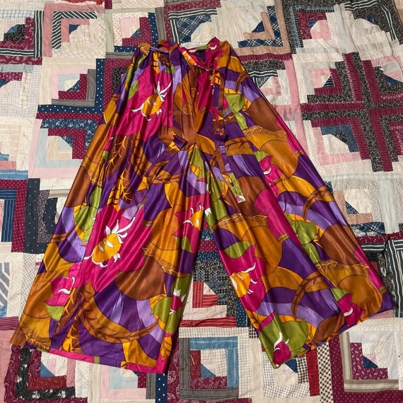 1970s Bold Large Scale Floral Print Palazzo Pants - image 1