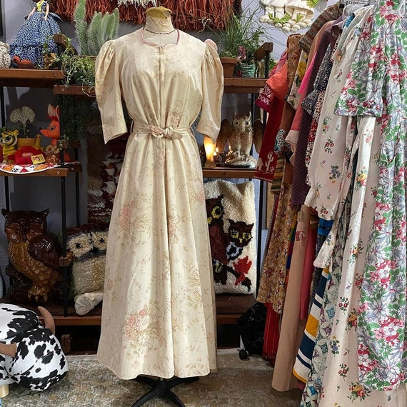 1930s Cream Floral Front Zip Maxi Dress With Puffe