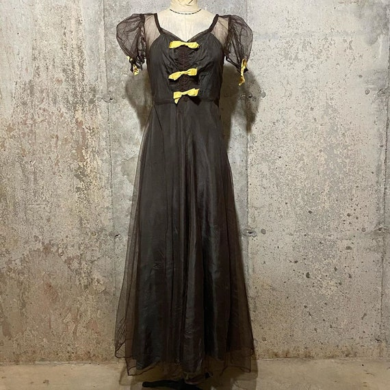 1930s Brown and Yellow Netted Dress With Puff Slee