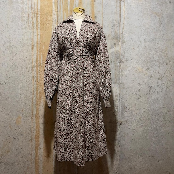 1970s Cranberry and Green Calico Prairie Dress WIt
