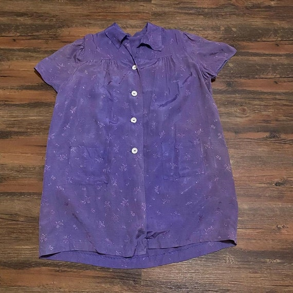 1940s purple floral smock blouse with pockets
