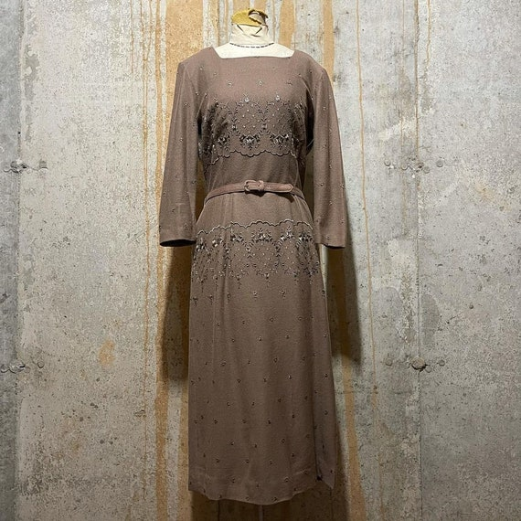 1950s Midtone Brown Embroidered Sheath Dress