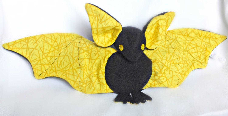 peluche chauve souris molleton peluche halloween jouet etsy. Black Bedroom Furniture Sets. Home Design Ideas