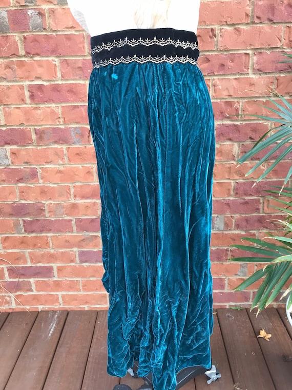 Vintage Crushed Velvet Gunnies Gunne Sax Skirt by