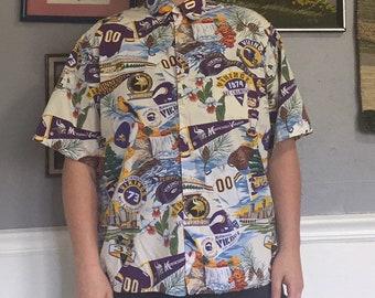 24fefa742 Vintage Reyn Spooner NFL All Over Print Minnesota Vikings Novelty Button Up  Size Large