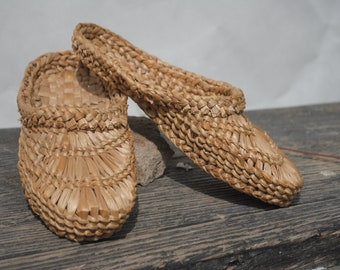 393793bf9 Slippers, slippers women, vintage woven straw shoes, natural straw  slippers, handmade woven shoes, women's straw shoes