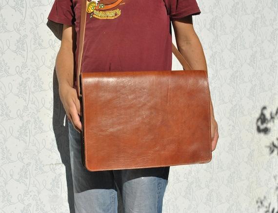 Messenger bag, cross body bag, laptop bag, crossbo