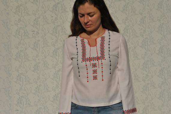 Peasant blouse, embroidered blouse, vintage folk … - image 2