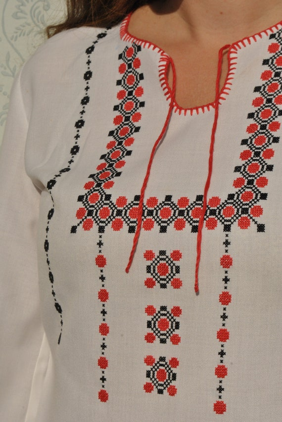 Peasant blouse, embroidered vintage folk blouse