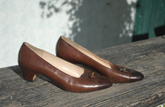 Ferragamo shoes, Ferragamo pumps, vintage pumps, p