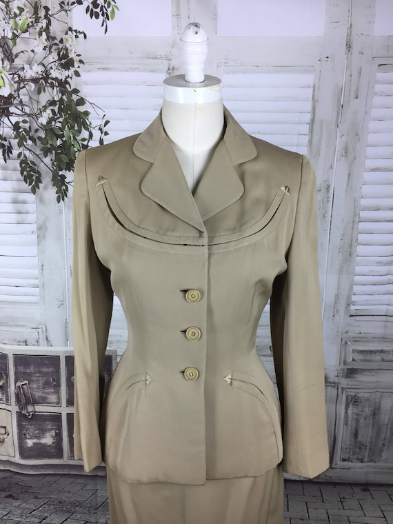 Original 1940s Beige Arrow Gabardine Skirt Suit - image 3