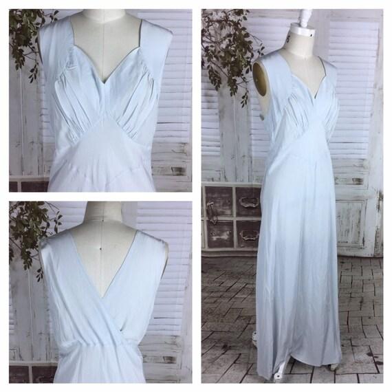 Original 1930s Pale Ice Blue Vintage Rayon Volup E