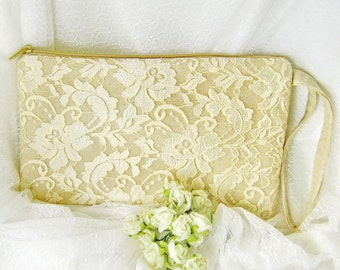 Bridesmaid clutch, linen lace clutch, bridesmaid gift wedding gift, Makep bag ivory white lace purse rustic simple zipper CL904