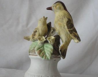 Vintage Ceramic Birds Figurine*****.