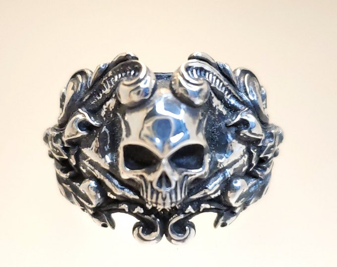 Vintage Skull Ring .995 Silver with Patina