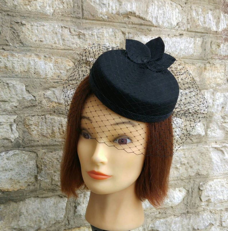 Black pillbox hat with veil funeral hat 1940s cocktail hat and  362b17f3238