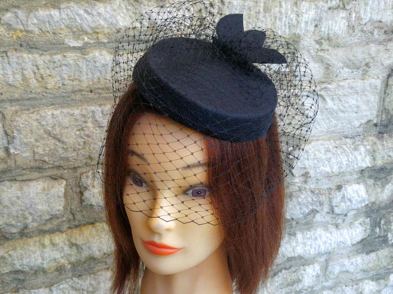 e3ba6e7c2b3 Pillbox hat with veil black cocktail hat and birdcage fascinator veil  funeral ve... Pillbox hat with veil black cocktail hat and birdcage  fascinator veil ...
