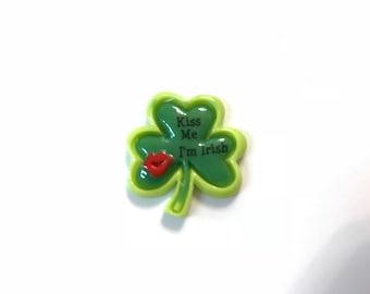 Kiss Me I'm Irish Shamrock Needle Minder