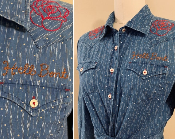 1990s / 2000s - women's light blue long sleeve western shirt - 'Hell Bent' cursive and red roses embroidery - size M / L