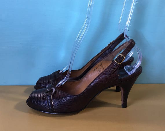 Vintage 1950s - women's pinup rockabilly brown lizard / alligator peep toe sling back high heels / dancing shoes - size 7 AA