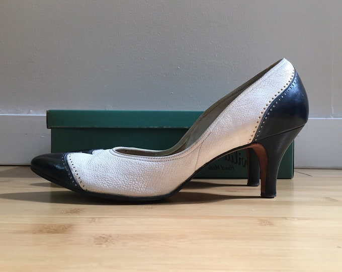 Featured listing image: Vintage 1950s - women's pin up rockabilly white & navy blue leather spectator wingtip heels / pumps - size 8.5 - original box