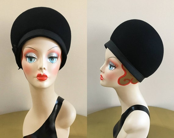 Vintage 1960s - women's glam black round dome wool felt Miss Lilli formal hat - bow detail - headwear / accessories
