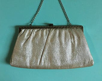 Vintage 1950s -  rockabilly pinup gold champagne lamé convertible clutch purse - silver frame & chain - cocktail party / evening bag
