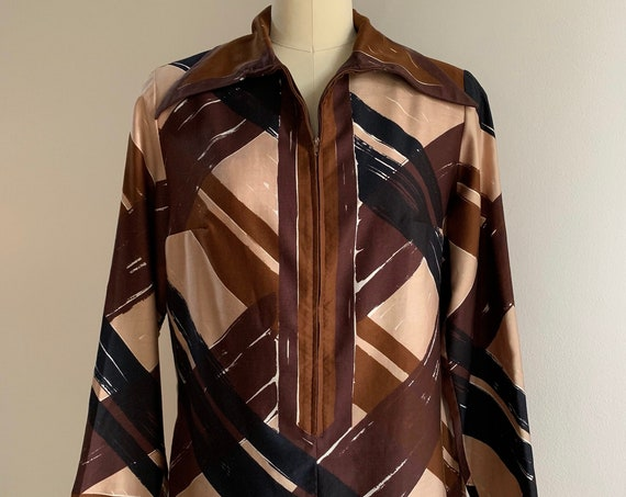 Vintage 1960s / 1970s - women's brown, beige & black plaid striped long sleeve zip up tunic top - Large - 40 bust 40 waist