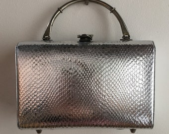 Vintage 1950s - rectangular silver faux snakeskin structured metal top handle purse / handbag - belt buckle clasp - accessories