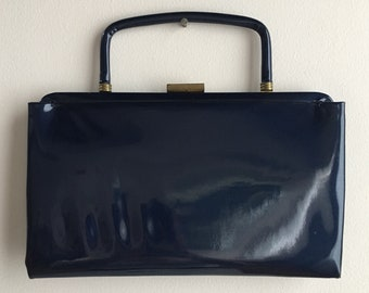 Vintage 1950s - pin up rockabilly navy blue metallic patent leather rectangular convertible top handle clutch handbag / purse