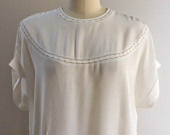 Vintage 1940s - women's pin up girl sheer white short sleeve eyelet fitted top / blouse - XXXL - 52 bust 44 waist