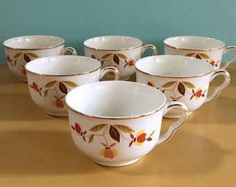 Vintage 1960s - set of 6 white ceramic tea / coffee cups - pink & red floral flowers design - gold detail - kitchen dining serving