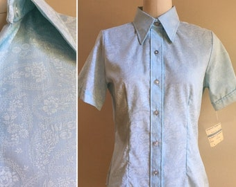 Vintage 1970 - women's NOS light blue short sleeve button up paisley print collared shirt - Small / Medium - 36 bust 30 waist