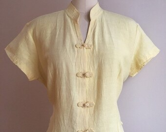 Vintage 1950s / 1960s - women's light yellow short sleeve Asian Cambodian silk top / blouse - frog closures - L Large - 40 Bust 36 Waist