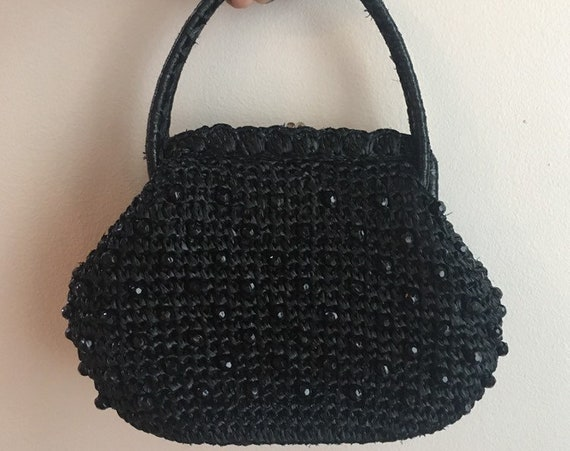 Vintage 1950s - pinup rockabilly crocheted black raffia top handle purse / handbag - black beads detail - kissing lock clasp closure