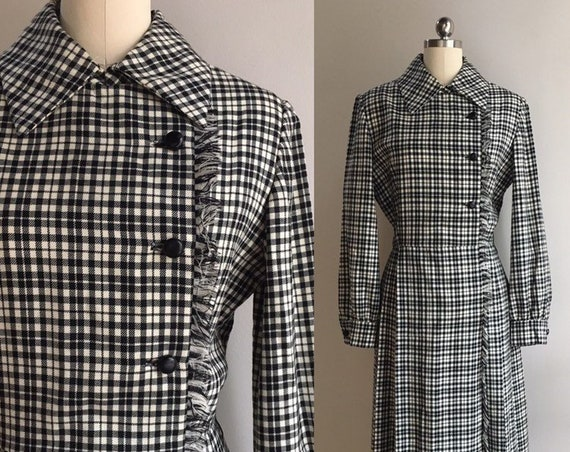Vintage 1960s - women's mod long sleeve black & white plaid wool fall winter dress - pointy collar - fringe - L Large - 38 bust 30 waist