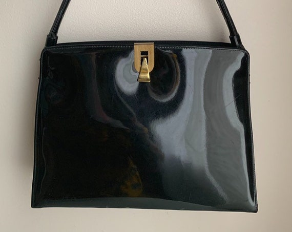 1950s / 1960s - large black patent leather rectangular top handle purse wih gold metal clasp