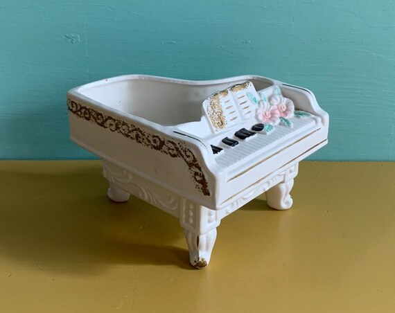 Vintage 1950s - white chalkware grand piano planter - gold paint & pink floral detail - home / kitchen / window decor