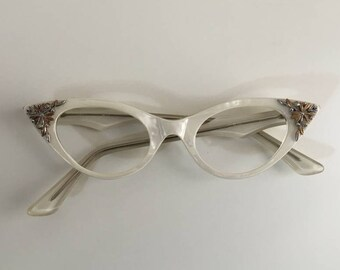 8c3d7216177 Vintage 1950s 50s 50 s women s pinup rockabilly pearly white frames cateye  glasses metal floral detail no lenses eyewear accessories