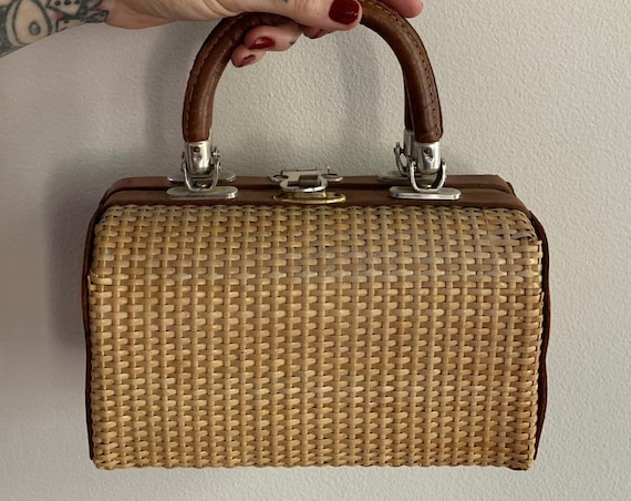 1950s - woven straw & brown leather top handle box purse / handbag