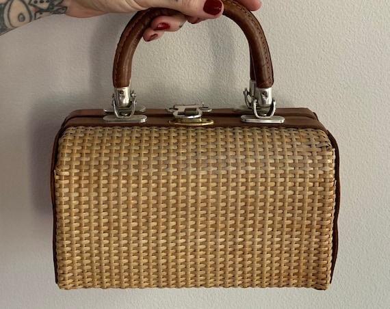 1950s - woven straw & brown leather top handle box purse / handbag